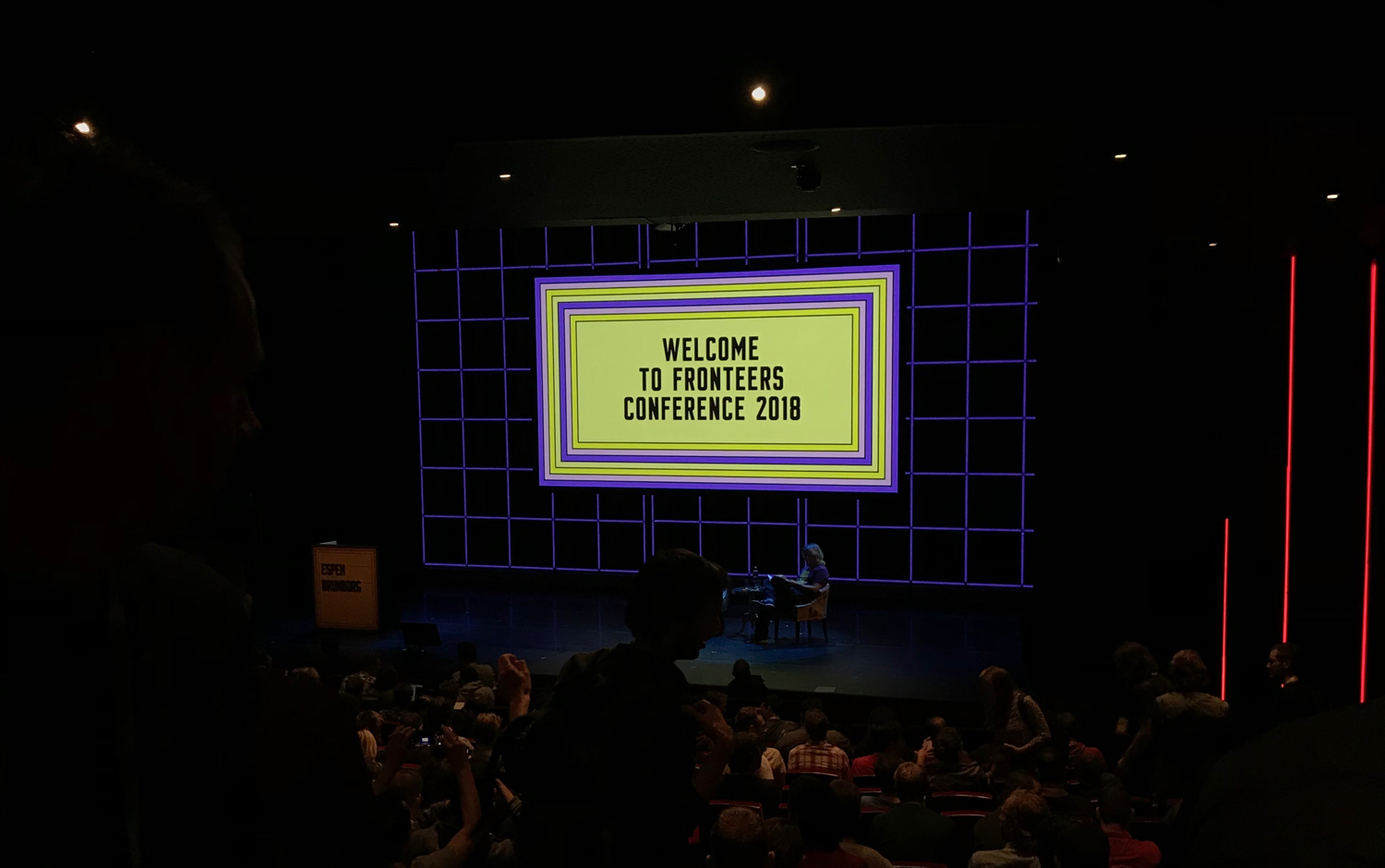 Welcoming slide of the Fronteers conference 2018